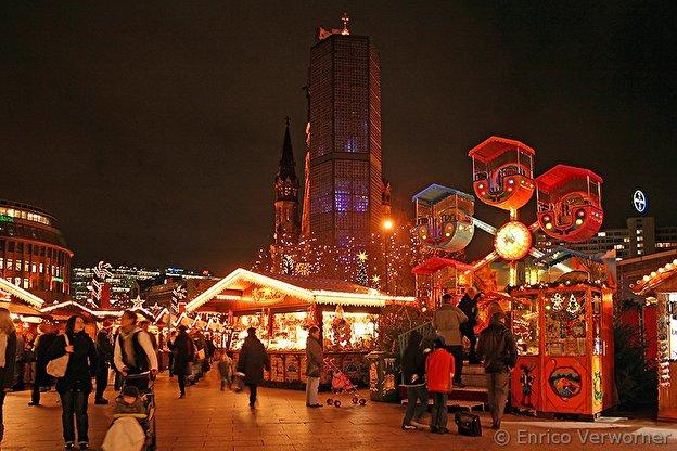 Beginn Weihnachtsmarkt Berlin 2019.Weihnachtsmarkt An Der Gedächtniskirche Weihnachten In Berlin