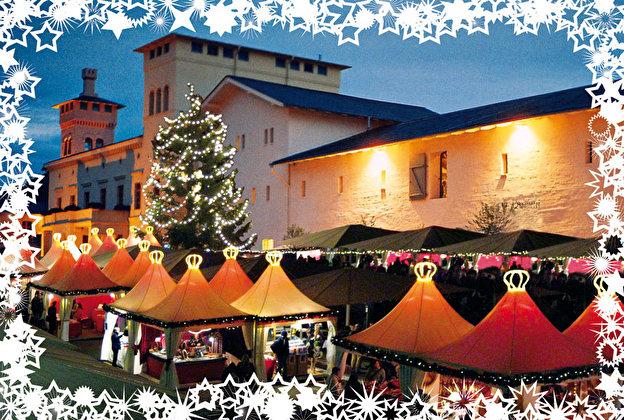 Weihnachtsmarkt Unter Der Woche.Romantisches Weihnachtsdorf Auf Dem Krongut Bornstedt Weihnachten