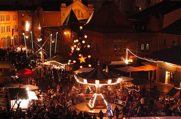 Beginn Weihnachtsmarkt Berlin 2019.Lucia Weihnachtsmarkt In Der Kulturbrauerei Weihnachten In Berlin