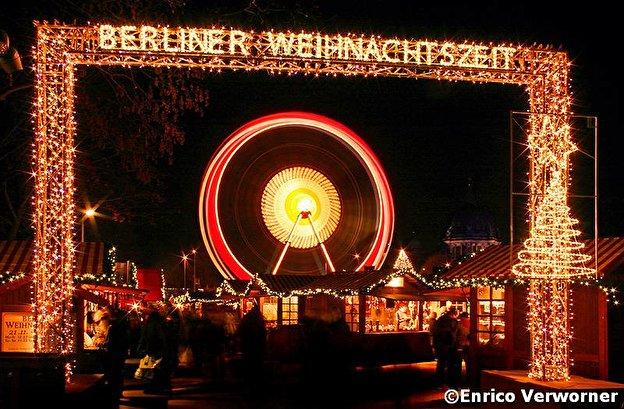 Weihnachtsmarkt Berlin Offen.Weihnachtsmarkt Am Roten Rathaus Weihnachten In Berlin