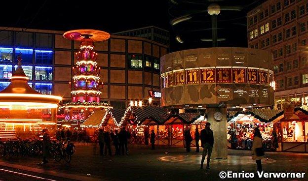 Weihnachtsmarkt Berlin Offen.Weihnachtsmarkt Auf Dem Alexanderplatz Weihnachten In Berlin