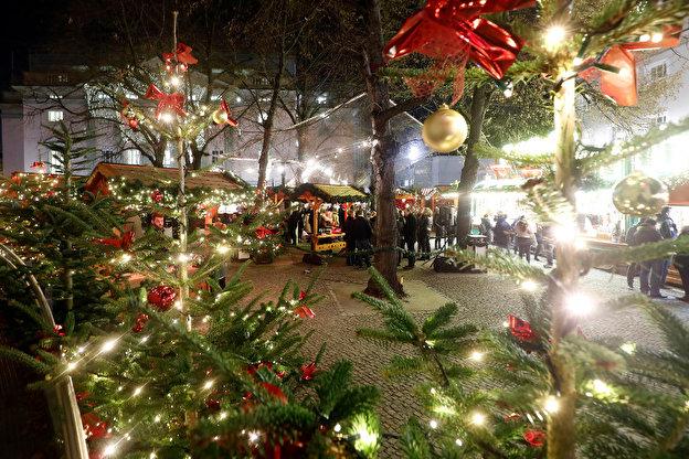 Beginn Weihnachtsmarkt Berlin 2019.Nostalgischer Weihnachtsmarkt Opernpalais Weihnachten In Berlin
