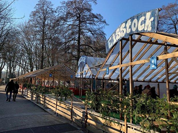 Eisstockschießen Berlin Weihnachtsfeier.Eisstockschießen Im Café Am Neuen See Weihnachten In Berlin